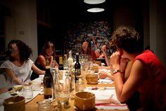 Home Restaurant: dal parlamento limiti, obblighi e divieti anacronistici per fermare il fenomeno