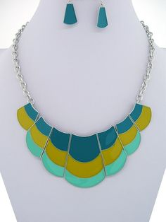 "CHUNKY 1-2"" LONG BLUE AND GREEN MIX ENAMEL SILVER TONE NECKLACE SET     * If you need a necklace extender I have them for sale in my store.*        NECKLACE: 18"" + EXT    LOBSTER CLAW CLOSURE       HOOK EARRINGS           COLOR: SILVER TONE $24.99"
