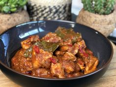 snelle ajam pedis ofwel hete kip Healthy Slow Cooker, Healthy Crockpot Recipes, Healthy Meals For Kids, Food Platters, Food Dishes, Asian Recipes, Ethnic Recipes, Yummy Chicken Recipes, Kitchen Recipes
