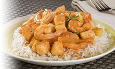 Receta de Estofado de Camarón y pescado - PRONACA A Table, Shrimp, Seafood, Meat, Ecuador, Shrimp Stew, Easy Food Recipes, Easy Cooking, Desserts