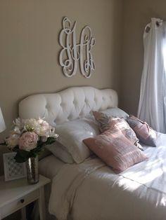 Pretty teen/tween girl room