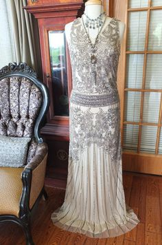 Hey, j'ai trouvé ce super article sur Etsy, chez https://www.etsy.com/fr/listing/261813412/perle-wedding-party-bal-annees-1920