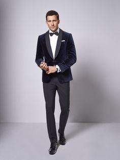 Der Smoking, nicht nur ein Anzug für Geheimagenten! Ob Hochzeit, Opernbesuch oder Silvester – ein eleganter schwarzer oder nachtblauer Smoking mit Fliege und Kummerbund sollte in jedem Kleiderschrank zu finden sein.