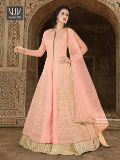 Baby Pink Color Soft Tafeta Silk Embroidered Party Wear Floor Length Designer Anarkali Suit Beauty and royalties comes together in this beautiful drape. Be the center of attraction with this baby pink color floor length anarkali suit. This beautiful anark Designer Salwar Kameez, Designer Anarkali, Long Choli Lehenga, Anarkali Lehenga, Patiala Salwar, Lehenga Suit, Indian Anarkali, Silk Lehenga, Sabyasachi