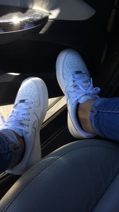 Cosas que comprar Moda Sneakers, Sneakers Mode, Sneakers Fashion, Shoes Sneakers, Nike Fashion, Girl Pictures, Girl Photos, Nike Air Force, Cute Shoes