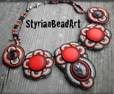 Beautiful necklaces by Claudia Reitbauer   Beads Magic#more-4498