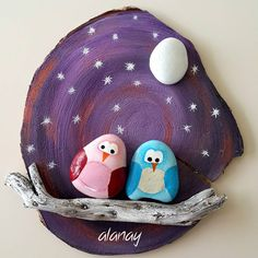 Painted Rock Ideas - Do you need rock painting ideas for spreading rocks around your neighborhood or the Kindness Rocks Project? Here's some inspiration with my best tips! Stone Crafts, Rock Crafts, Arts And Crafts, Painting For Kids, Diy Painting, Painting On Wood, Seashell Painting, Stone Painting, Rock Painting