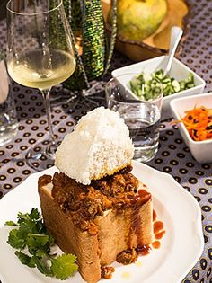One Hearty Curry Recipe, Out of South Africa - Durban's Bunny Chow Jamaican Recipes, Curry Recipes, Soup Recipes, Dessert Recipes, Oven Chicken Recipes, Dutch Oven Recipes, South African Recipes, Indian Food Recipes, Salted Caramel Fudge