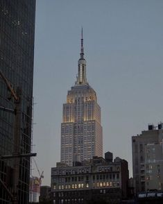 New York Life, Nyc Life, City Aesthetic, Travel Aesthetic, Empire State Of Mind, Empire State Building, City Vibe, Dream City, Concrete Jungle
