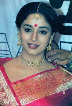 VK is the largest European social network with more than 100 million active users. Beautiful Saree, Beautiful Indian Actress, Beautiful Actresses, Beautiful Women, Madhuri Dixit Saree, Vintage Bollywood, Indian Beauty Saree, Old Actress, No Name