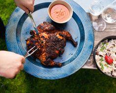 """""""Pořádně ostré papričky a bylinky jsou základem těch nejlepších marinád,"""" říká náš kolega Patrik Cepr! Po ochutnání kuřete podle jeho receptu budete souhlasit stejně jako celá naše redakce... Piri Piri, Tandoori Chicken, Pork, Meat, Ethnic Recipes, Kale Stir Fry, Pork Chops"""