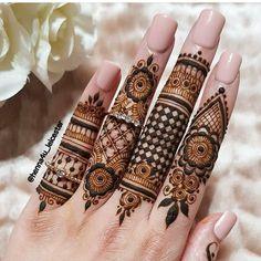 Simple Mehndi Designs Fingers, Latest Finger Mehndi Designs, Henna Tattoo Designs Simple, Full Hand Mehndi Designs, Mehndi Designs For Beginners, Mehndi Designs For Girls, Dulhan Mehndi Designs, Latest Mehndi Designs, Mehndi Designs For Hands