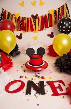 Classic Mickey Mouse inspired Cake Smash by Stephanie Tignor Photography Cake Pops Mickey Mouse, Mickey Mouse Birthday Theme, Mickey 1st Birthdays, Mickey Mouse Photos, Mickey Cakes, Minnie Mouse, Birthday Cake Smash, First Birthday Cakes, 1st Boy Birthday