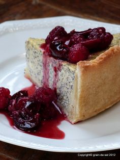 grain de sel - salzkorn: Mohn-Quark-Kuchen mit Fruchtspiegel
