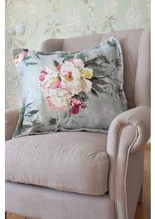 Povlaky na Polštáře Designers Guild Designers Guild, Showroom, Throw Pillows, Bed, Home, Toss Pillows, Cushions, Stream Bed, Ad Home