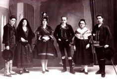 Trajes populares de Cáceres. (Colección Juan Ramón Marchena)