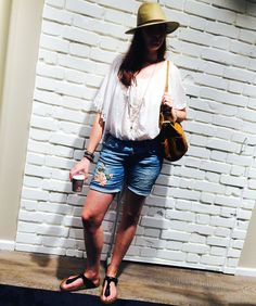 Outfit der Woche! Denim Shorts: Please – Top: Only – Tunika: Please – Hut: Opus – Armbänder: Cowboysbelt #ootw #fashion