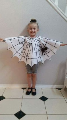 DIY Haloween kids costume - check out the best of Halloween kids costumes right here before you go on to shop for them. Diy Haloween, Diy Halloween Costumes For Kids, Halloween Tags, Family Halloween, Baby Halloween, Halloween 2020, Halloween Dress, Halloween Season, Halloween Halloween