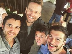 "7,241 Me gusta, 132 comentarios - @juanpablodipace en Instagram: ""And we're back!!! #fullerhouse season 3 read through with @hagenboo @johnbrotherton @scottweinger"""