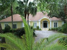 See progress pics of the St. Simons Island home under construction in all kinds of weather.