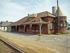 Abandoned Train Depot Northern New York Old Abandoned Buildings, Abandoned Train, Old Buildings, Abandoned Places, Old Train Station, Train Stations, Virginia, Old Trains, Haunted Places