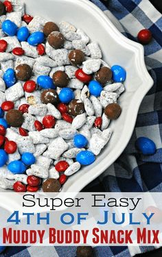 4th of July snack mix recipe: an easy red, white and blue party food for a picnic!
