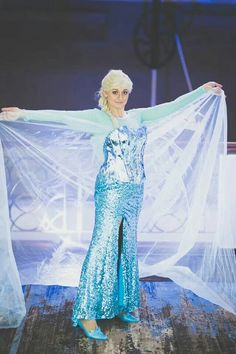 Elsa cosplay complete Elsa Cosplay, Legends, Disney Characters, Fictional Characters, Costumes, Disney Princess, Collection, Dress Up Clothes, Fancy Dress