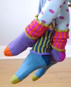 Kristin Knits book - knit socks (by Kristin Nicholas) Diy Tricot Crochet, Crochet Socks, Knitted Slippers, Knit Socks, Loom Knitting, Knitting Socks, Knitting Patterns Free, Hand Knitting, Crazy Socks