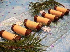 Medové trubičky s likérovým krémem Christmas Baking, Christmas Cookies, Russian Recipes, Brownie Cookies, Cheesecake, Food And Drink, Table Decorations, Sweet, Memes