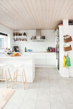 Et hjem med genbrug og funky farver - Bolig Magasinet