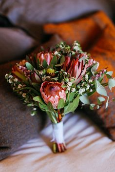 What is Special about Digital Wedding Photography? Bridesmaid Flowers, Bride Bouquets, Bridal Flowers, Floral Bouquets, Rustic Bridal Bouquets, Protea Wedding, Flower Bouquet Wedding, Floral Wedding, Wedding Bride