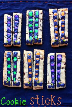 Ever since I spotted cookie sticks on Amanda's fabulous site, Amanda's Cookin' , I have wanted to make them! Fall Cookies, Iced Cookies, Cut Out Cookies, Royal Icing Cookies, Sugar Cookies, Christmas Cookies, Halloween Cookies Decorated, Halloween Cakes, Halloween Treats