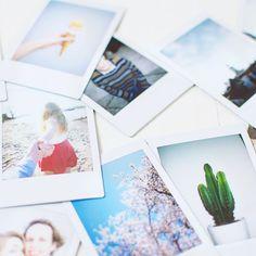 We maken tegenwoordig allemaal wel foto's met onze mobiele telefoon, maar druk je die leuke beelden wel eens af? Instax maakt een foto die meteen wordt afgedrukt. Niet alleen een mooie herinnering, je kunt er ook allerlei leuke dingen mee doen. Bij HEMA vind je naast de vertrouwde Instax nu ook nieuwe kleuren en designs, met extra veel features.