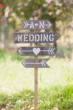 Real Wedding: Amy and Nick's B.C. Winery Wedding - DIY Sgn