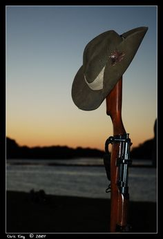 Today is the anzac day where we stop to remember the fallen that has been invovled in the World War I and II. It is the Anniversary of the World War I. Military Art, Military History, Military Service, Anzac Day Australia, Lest We Forget Anzac, Anzac Soldiers, Remembrance Day, World War One, Vietnam Veterans