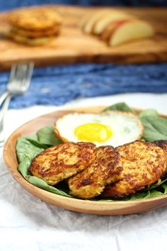 Spaghetti squash apple fritters - paleo and whole30 friendly plus so easy!