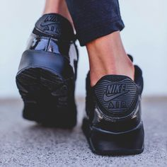 Black Nike Air Sneakers