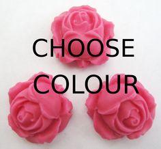 Rose buds edible sugar cake topper decorations. www.sugarsugarcakedecorations.co.uk