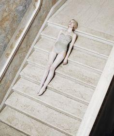 Delicate - Marche - Escalier - Pâle - Fille