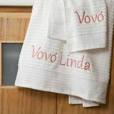 Toalha da banho bordada Vovó Linda. A partir de R$29 @alfaiascasa