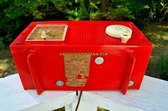 RED HOT RED Mid Century Retro Vintage 1954 General Electric Model 556 AM Tube Radio Absolutely Pristine!