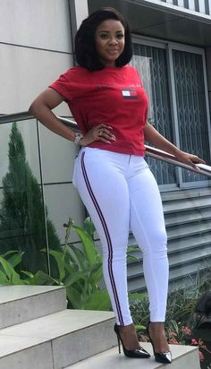 How to Look Classic Like Serwaa Amihere for Plus Size & Curvy Ladies 2019 – Outfits Office Outfits Women, 30 Outfits, Stylish Work Outfits, Curvy Girl Outfits, Fashion Outfits, Fashion Boots, Short African Dresses, Latest African Fashion Dresses, How To Look Classy