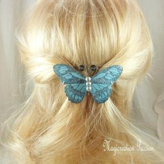 Barrette française 6 cm papillon de soie bleu turquoise, corps de perles nacrées, antennes métal noir - lisa - Un grand marché Barrettes, Bleu Turquoise, Band, Lisa, Support, Accessories, Unique, Beads, Romantic Hairstyles