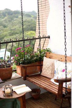 Il dondolo conquista l'angolo esterno di casa. #Dalani #Outdoor #Relax #Ispirazioni