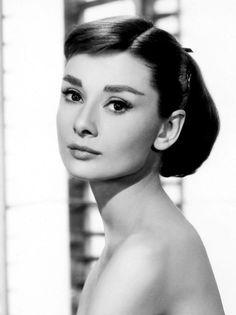 """coiffure style années 50"""