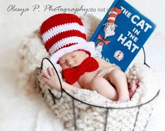 PDF CROCHET PATTERN 039 - Top hat and bow (tie) - Sizes newborn and 0-3mo. $4.50, via Etsy.