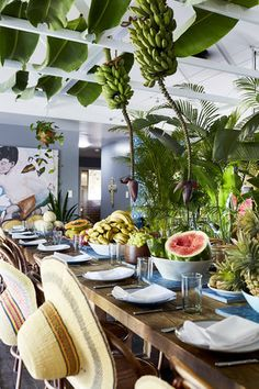 CUBAN EVENT — Alida & Miller Dinner Table Set Up, Brunch Table, Jungle Decorations, Table Decorations, Havana Nights Party Theme, Havana Party, Cuban Party, Latin Party, Cuban Decor