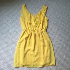 Francesca's Summer Dress Cute Francesca's summer dress in yellow! Bright and fun good for any summer activity. Feel free to make an offer and ask questions! Francesca's Collections Dresses Mini