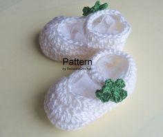 Crochet Baby Bootie Lucky Shamrock