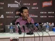 Treinador disse que Vitória fez um bom jogo contra o Bahia, na noite desta quinta-feira, no Barradão (Foto: Ruan Melo)